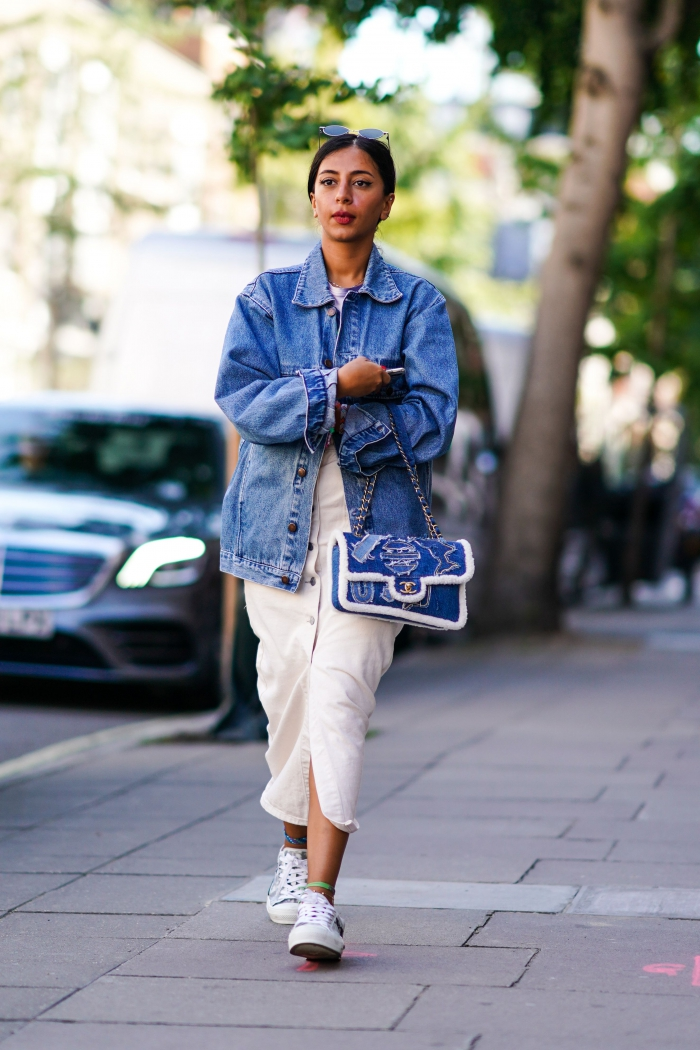 Cute Denim Jacket Outfits For Women To Wear In