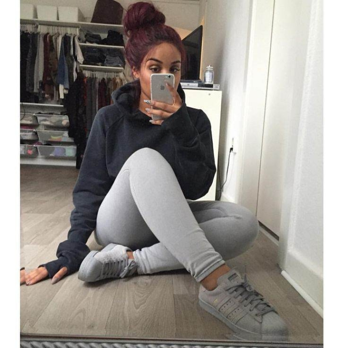 What Is Best To Wear With Gray Leggings